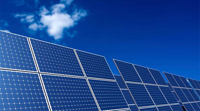 Ogniwa słoneczne wykorzystują efekt fotoelektryczny