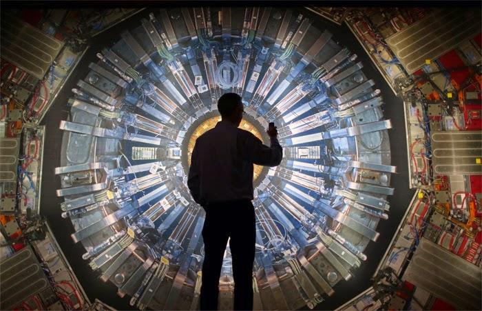 Duże zabawki dla fizyków – akceleratory cząstek elementarnych