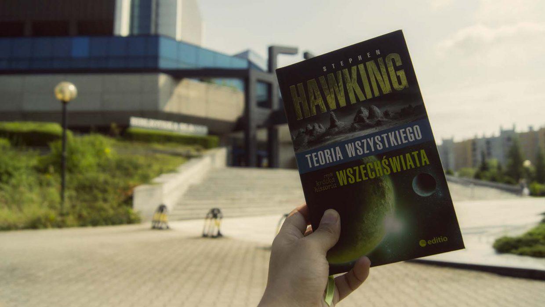 """Klasyczny Hawking – recenzja """"Teorii wszystkiego, czyli krótkiej historii wszechświata"""""""