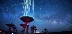 Gdy wszechświat wrzeszczy, a my nie wiemy dlaczego – zagadka FRB