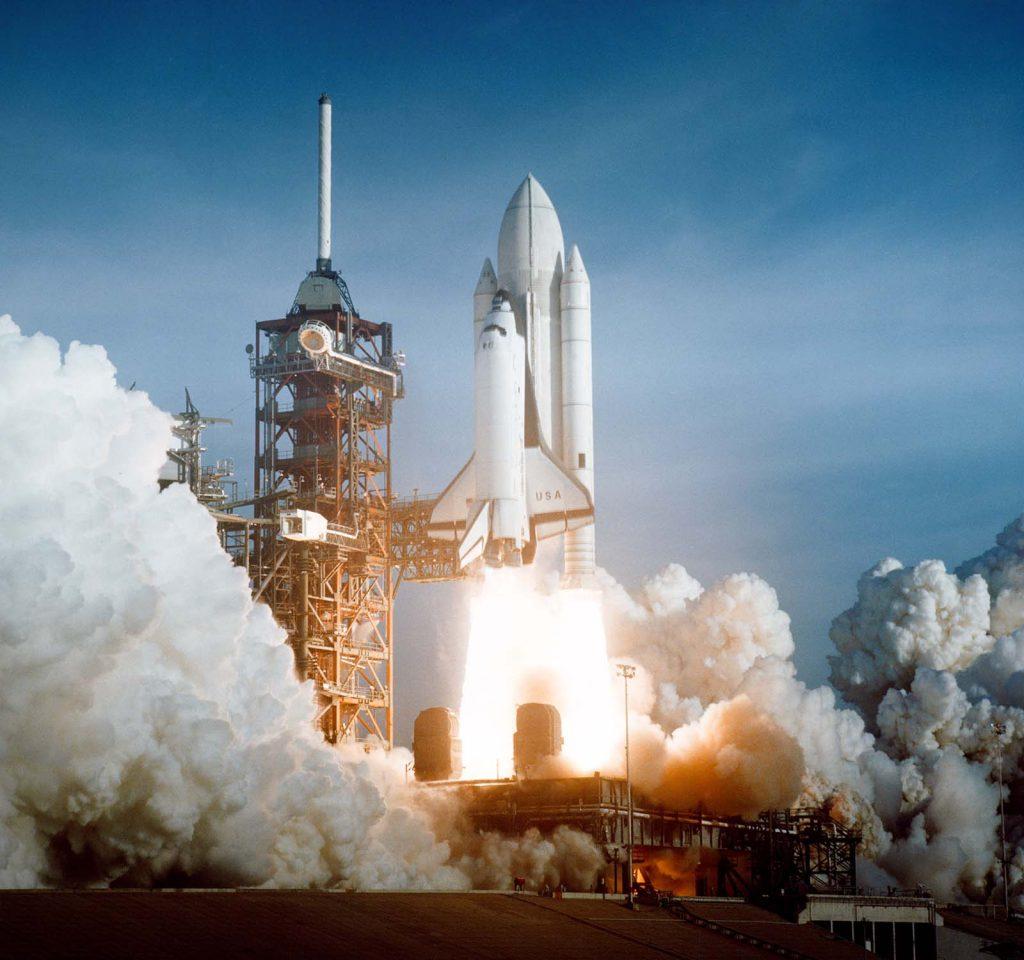 Start misji wahadłowca STS-1