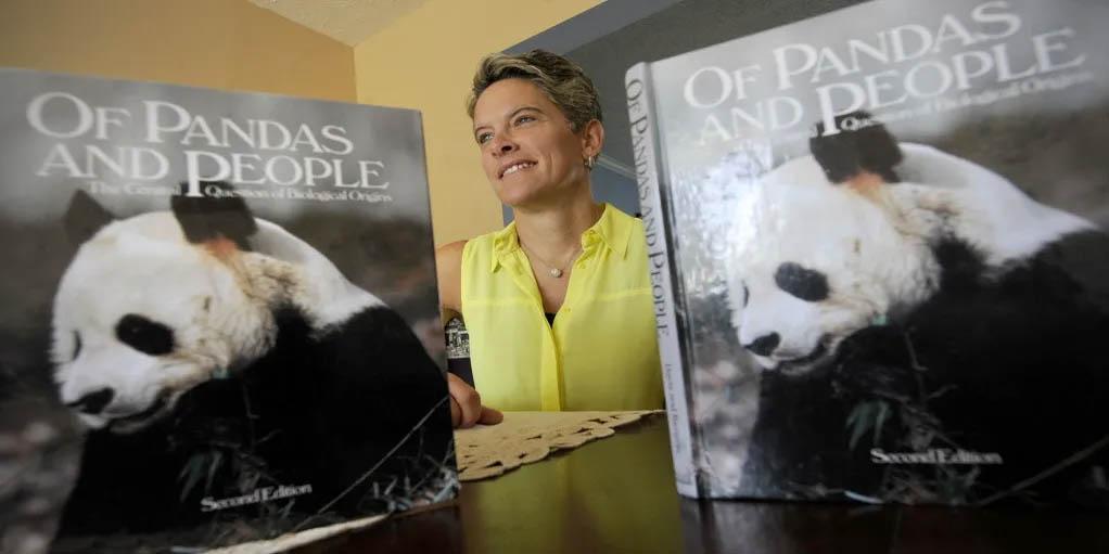 """Kreacjonistyczny podręcznik """"Pandy i ludzie"""""""